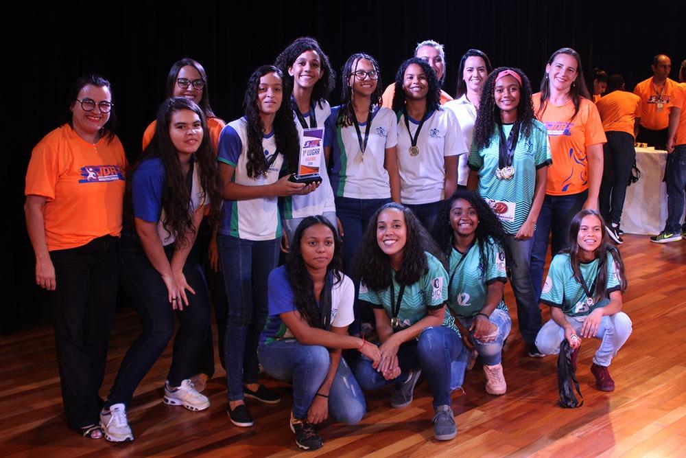 Colégio São Domingos premia escolas e atletas que participaram dos JDA 11