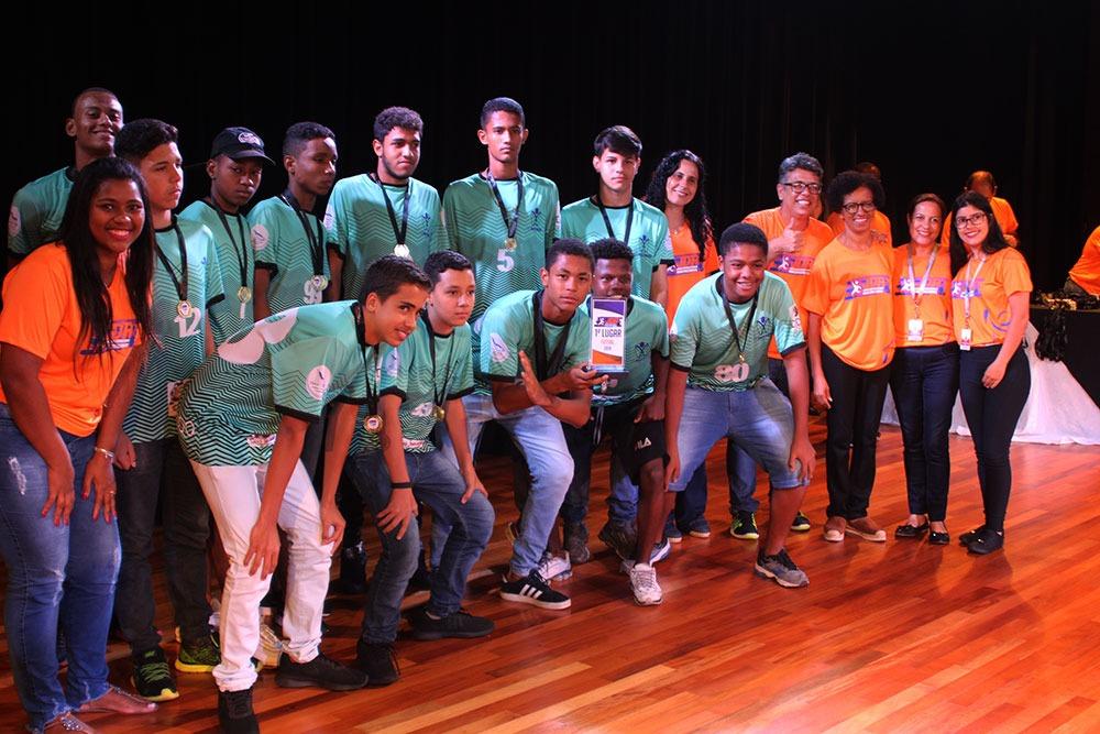 Colégio São Domingos premia escolas e atletas que participaram dos JDA 13
