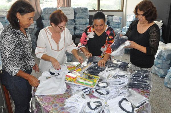 Prefeitura distribuirá material escolar e uniformes para alunos carentes