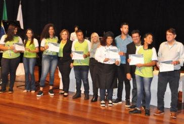 Prefeitura em parceria com Instituto Apreender qualifica mais de 230 jovens