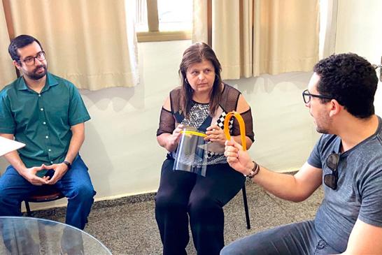 Desenvolvedores doam protetores faciais impressos em 3D para profissionais da saúde 2