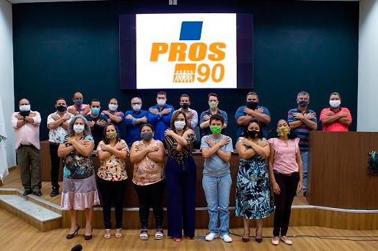 Pros lança jornalista Ana Paula para candidatura à prefeita; vice é o produtor rural Maurício Gomes 1