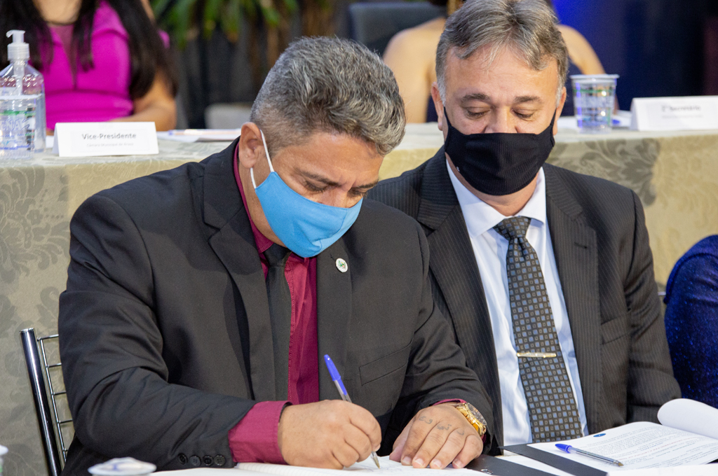Robson Magela e Mauro Chaves são empossados para a Gestão 2021/2024 2
