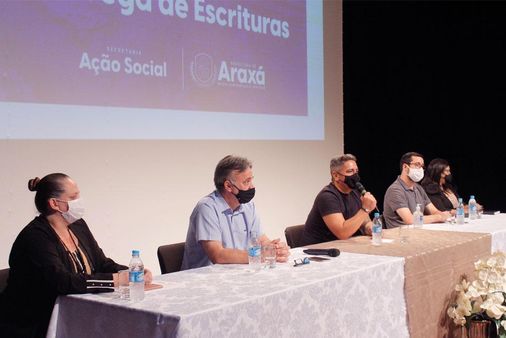 Prefeitura de Araxá realiza entrega de escrituras de imóveis 1